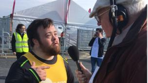 John Bennett speaks to marathon competitor James, Belfast City Marathon, 1st May 2017