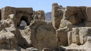 آثار تاریخی مس عینک