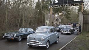 Classic cars enter Longleat Safari Park