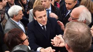 بالصور: بدء الانتخابات الرئاسية في فرنسا