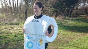 Runner dressed as loo roll