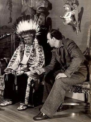 El jefe lakota Henry Standing Bear, en una entrevista