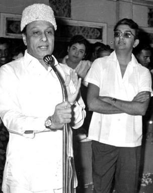 முன்னாள் முதல்வர் எம்ஜிஆருடன்