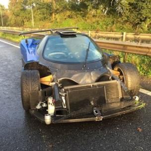 Sussex Polisi kaza yapan araç