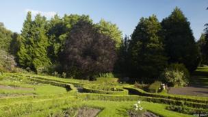 Gerddi Linda Vista // Linda Vista Gardens