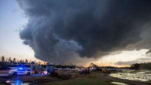 Georgia'da fırtına bulutları