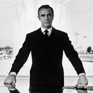 """Sean Connery , premier des James Bond, ici dans """" les diamants sont éternels""""."""