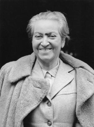 Gabriela Mistral en Londres en 1946.