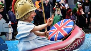 Britannia making crude gesture - float in Mainz