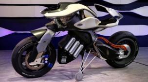 यामाहाची हाय-टेक 'मोटरआयडी' बाईक सुद्धा टोकियो मोटर शोचं खास आकर्षण आहे.