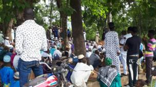 People for inside prayer ground
