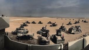 مركبات عسكرية تابعة للقوات الخاصة العراقية في الموصل