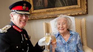 Dame Vera Lynn receives the Companion of Honour medal at her home
