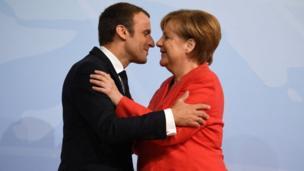 Fransa Cumhurbaşkanı Emmanuel Macron ve Angela Merkel
