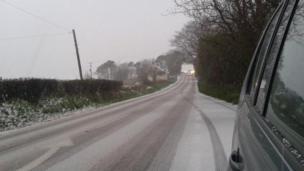 Y ffordd drwy Plwmp ddoe // The road through Plwmp, Ceredigion yesterday