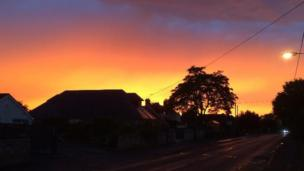 The incredible sunset earlier in the week drew lots of you, like BBC Weather Watcher 'zambi', out to capture the scene.