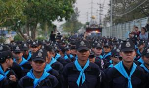 Thailand police personnel surrounded the Dhammakaya sect temple in Pathum Thani, north of Bangkok, Thailand, Sunday, 19 February 2017