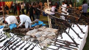 کراچی سے پکڑے جانے والا اسلح