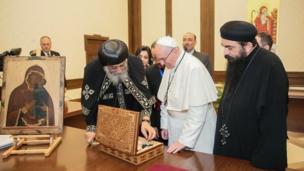 البابا فرانسيس والبابا تواضروس