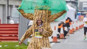 Runner dressed as a tree