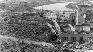 Хиросимадагы айрым имараттардын сөөгү бузулбай калган.