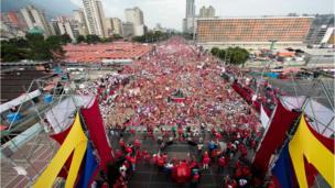 Nicolás Maduro habla ante sus seguidores
