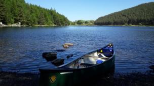 Canoeing in Llyn Geirionydd, Snowdonia