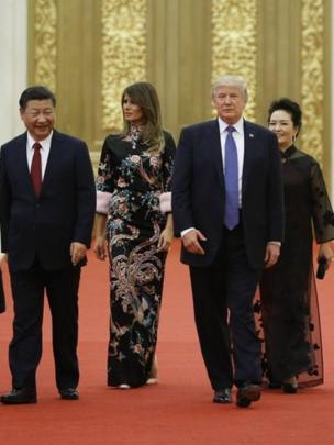 Donald Trump y Xi Jinping junto a sus respectivas esposas.