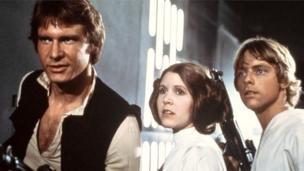 ฟิชเชอร์สวมบทบาทเจ้าหญิงเลอาประกบกับแฮร์ริสัน ฟอร์ด และมาร์ก แฮมิลล์ ในหนังเรื่อง Star Wars