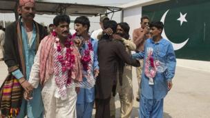 پاکستان، انڈیا، قیدی