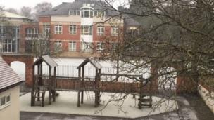 Snowy school in Bedford