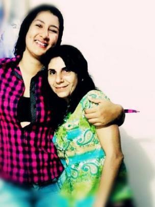 Dora Lilia Gálvez con su sobrina Daniela Gálvez