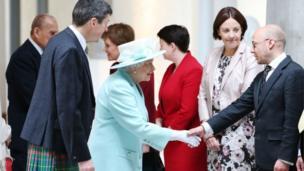 queen meeting party leaders