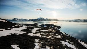 Paragliding over the lonely landscapes of southern Svalbard