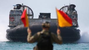 นาวิกโยธินสหรัฐฯ เข้าร่วมการฝึกซ้อมโจมตีสะเทินน้ำสะเทินบก