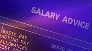 Pay is key reason for changing jobs, says CIPD - BBC News