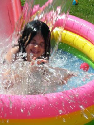 Kate in a paddling pool