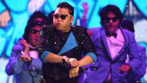 Psy performs Gangnam Style