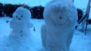 A snowman and snowalien.
