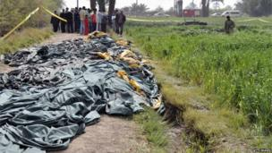 Bodies lie covered at scene of hot air balloon crash near Luxor (26/02/13)