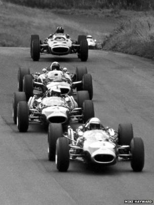 Jack Brabham leads from Denny Hulme, Jackie Stewart, Graham Hill and Jim Clark