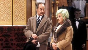 Frank Thornton as Captain Peacock and Mollie Sugden as Mrs Slocombe