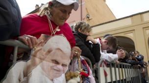 Crowd outside Castel Gandolfo. 23 March 2013