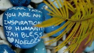 Message of support outside Nelson Mandela's home in Johannesburg (1 April 2013)