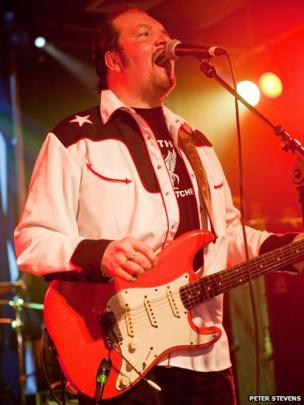 Pete Wylie at The Scala in London by Peter Stevens