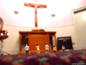 Tiny figures