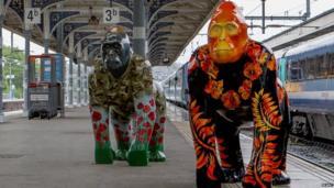 Go Go Gorillas arrive at Norwich station