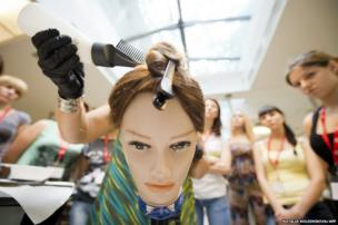 Trainee hairdressers in Moscow
