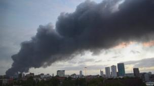 Smoke plume by Rong Ma
