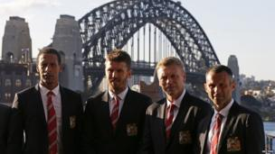 Manchester United's Rio Ferdinand, Michael Carrick, Ryan Giggs and manager David Moyes